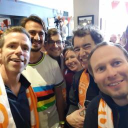 Afleveringplaatje van WK in Yorkshire: Mads Pedersen verrast en wordt Wereldkampiøen