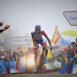 Afleveringplaatje van Etappe 15: Pinot wint op Lagos de Covadonga
