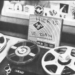 Afleveringplaatje van S2 E35 100 Jaar Radio - Zeezenders deel 4 (Het slot en de jaren ná 31 augustus 1974) [met Leo van der Goot]