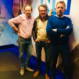 Afleveringplaatje van S2 E12 100 Jaar Radio - Is Veronica het hart van de Nederlandse radio? I met Erik de Zwart