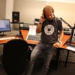 Afleveringplaatje van S1 E51 50 Jaar 3FM - Het Slotakkoord en 50 jaar in 50 jingles [1981]