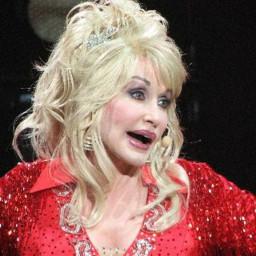 Afleveringplaatje van NieuwNieuws van de dag   05-10-2020 - Dolly Parton weer in gesprek met Playboy