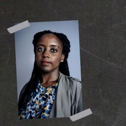 Afleveringplaatje van #49 | Laura Uwase over ons koloniaal verleden