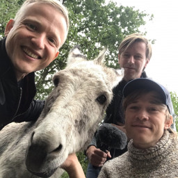 Afleveringplaatje van ALLES over klimmaatjes, King-tweetjes en ezeltjes - met Thomas Olde Heuvelt