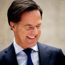 Afleveringplaatje van NieuwNieuws van de dag | 29-01-2021 - VVD lachend aan kop in peilingen