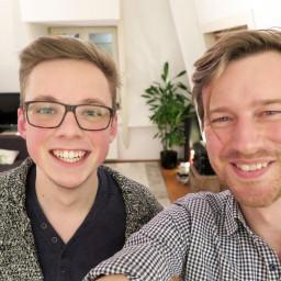 Afleveringplaatje van Hjalmar Kemperman is videoblogger en zelfbewust, en Martijn heeft een borende buur